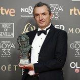 """Juan Pedro de Gaspar con su Goya 2019 a Mejor dirección artística por """"La sombra de la ley"""""""