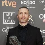 """Olivier Arson con su Goya 2019 a Mejor música original por su trabajo en """"El Reino"""""""