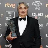 """Yousaf Bokhari con su Goya 2019 a Mejor dirección de producción por """"El hombre que mató a Don Quijote"""""""