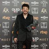 """Coque Malla con su Goya 2019 a Mejor canción original por su trabajo en """"Campeones"""""""
