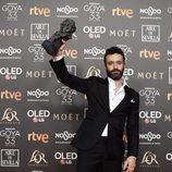 """Rodrigo Sorogoyen con su Goya 2019 a Mejor dirección por su película """"El Reino"""""""