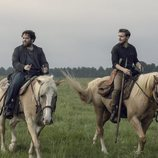 Luke y Alden montan a caballo en la novena temporada de 'The Walking Dead'