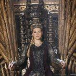Lagertha ocupando el trono de Reina de Kattegat en 'Vikings'