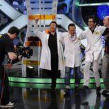 Rob Schneider con el equipo de 'El hormiguero'