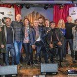 Ariel Rot, los artistas y el equipo de 'Un país para escucharlo' (La 2)