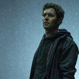 Adam Brody en 'Curfew (Toque de queda)'