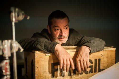 Enrique Urbizu en el rodaje de la segunda temporada de 'Gigantes'