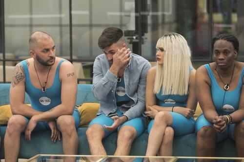 Alejandro Albalá llora en la gala 6 de 'GH Dúo'
