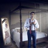 Emmanuel Esparza en un cartel promocional de la serie 'Secretos de Estado'