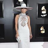 La cantante Jennifer Lopez, en la alfombra roja de los Premios Grammy 2019