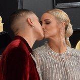 Ashlee Simpson y Evan Ross, en la alfombra roja de los Premios Grammy 2019