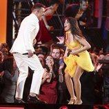 Camila Cabello junto a Ricky Martin en los Premios Grammy 2019