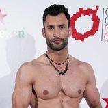 Jorge Pérez posando como modelo en Gran Canaria Moda Cálida