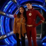 Candice Patton y Grant Gustin en la quinta temporada de 'The Flash'