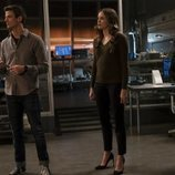 Grant Gustin, Danielle Panabaker y Jessica Parker Kennedy en la quinta temporada de 'The Flash'