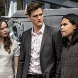 Danielle Panabaker, Hartley Sawyer y Carlos Valdes en la quinta temporada de 'The Flash'