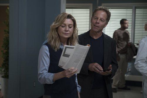 Ellen Pompeo y Greg Germann en la temporada 15 de 'Anatomía de Grey'
