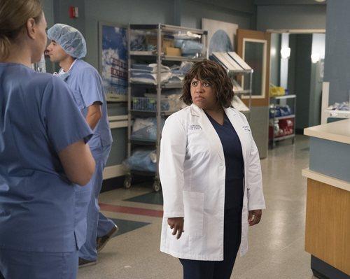 Chandra Wilson en la temporada 15 de 'Anatomía de Grey', de ABC