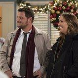 Justin Chambers y Camilla Luddington en la temporada 15 de 'Anatomía de Grey'