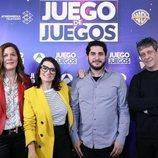 El equipo de 'Juego de juegos' con la presentadora Silvia Abril