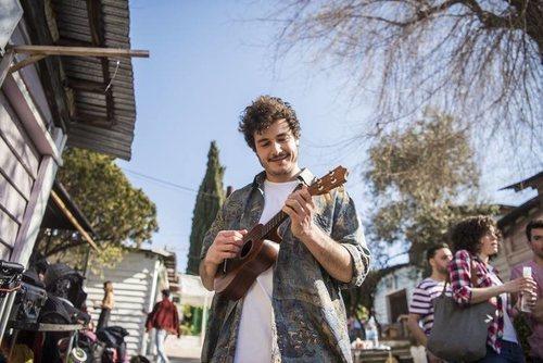 """Miki Núñez toca el ukelele en la grabación del videoclip de """"La venda"""""""