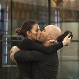 Irene Rosales y Kiko Rivera se besan tras ganar la prueba de inmunidad en la Gala 7 de 'GH Dúo'