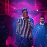 Famous en la Gala 1 de 'La mejor canción jamás cantada'