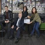 Los protagonistas de 'Desaparecidos' durante el rodaje