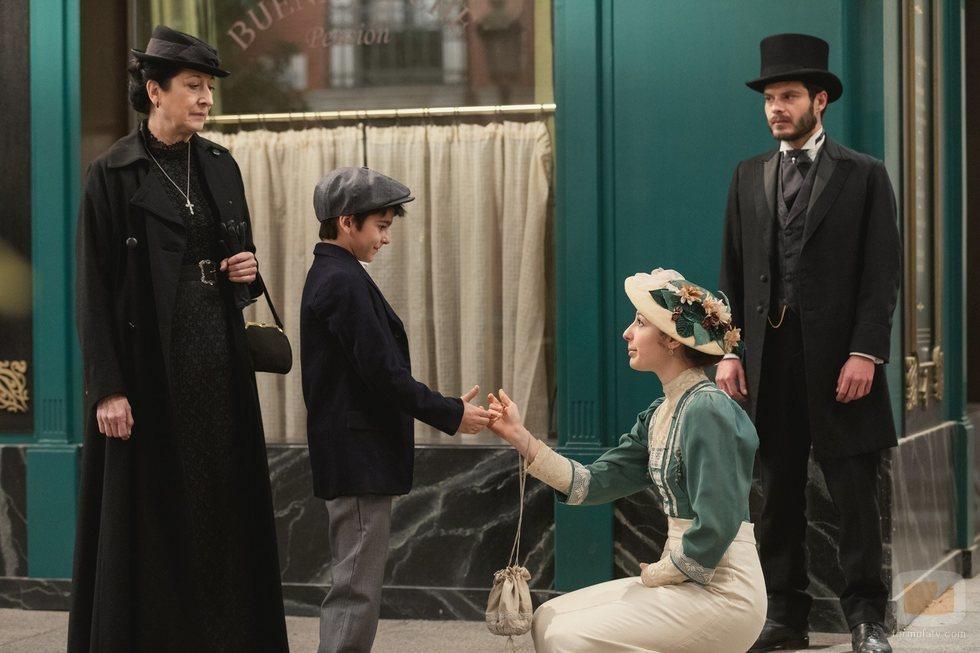 Úrsula y Lucía se encuentran con Mateo y Eduardo en 'Acacias 38'