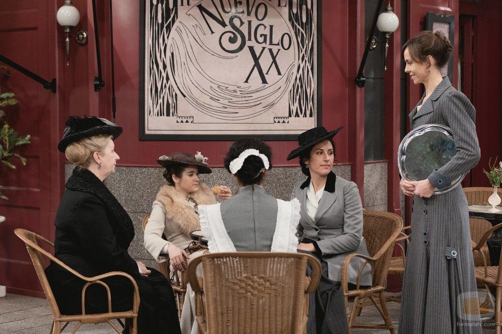 Felicia, dueña del Nuevo Siglo XX en la quinta temporada de 'Acacias 38'