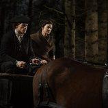 Sam Heughan y Caitriona Balfe en la cuarta temporada de 'Outlander'