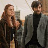 Sophie Skelton y Richard Rankin en la cuarta temporada de 'Outlander'