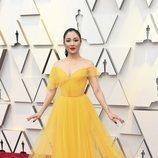 Constance Wu en la alfombra roja de los Oscar 2019