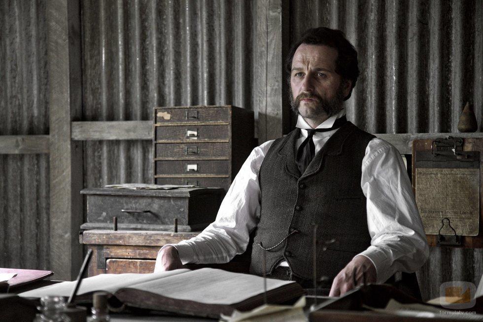 Matthew Rhys es Billy Winters en 'Death and Nightingales'