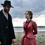 Jamie Dornan y Ann Skelly en 'Death and Nightingales'