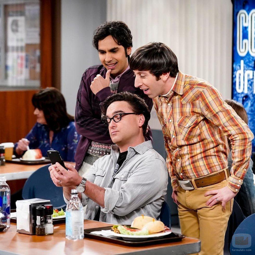 Johnny Galecki, Kunal Nayyar y Simon Helberg en el rodaje de la última temporada de 'The Big Bang Theory'