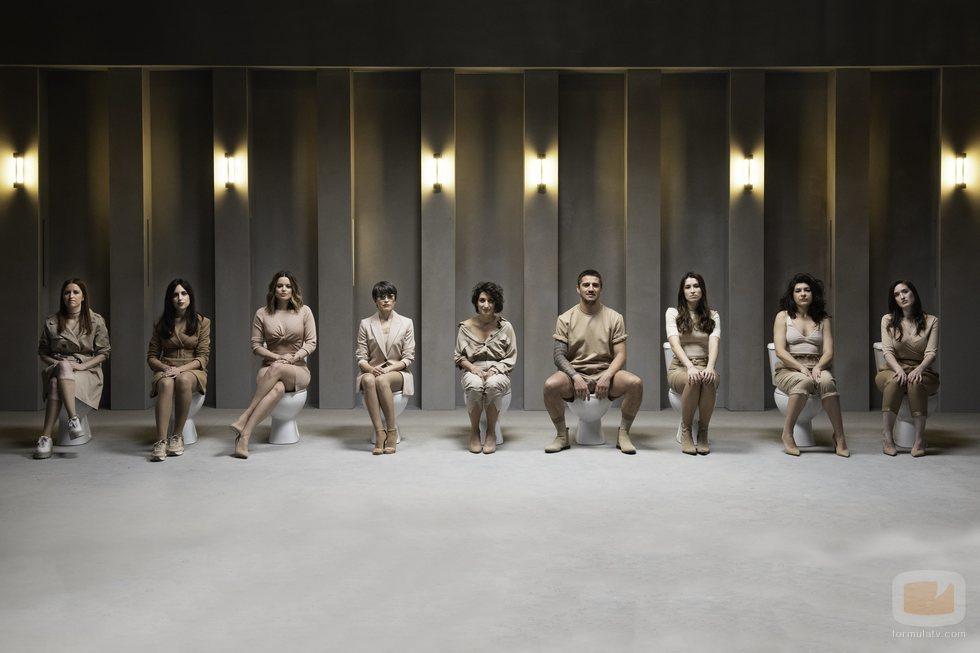 Todos los colaboradores del programa 'Las que faltaban' junto a Thais Villas