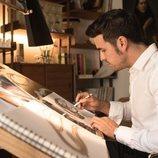 Marco Mur diseña uno de sus prototipos en 'Instinto'