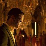 Marco Mur, enmascarado en uno de los encuentros del club secreto de 'Instinto'