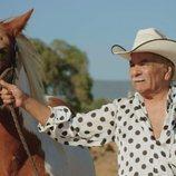 Charro, el abuelo de los Fernández Navarro en la quinta temporada de 'Los Gipsy Kings'