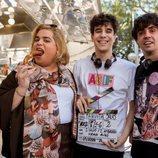 Brays Efe junto a los Javis en el rodaje de la tercera temporada de 'Paquita Salas'