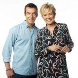 José Luis Vidal e Inés Ballester, presentadores de 'Está pasando' en Telemadrid