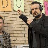Nacho Vigalondo y Catalina Sopelana en el rodaje de 'El vecino'