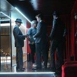 Los protagonistas de 'Toy Boy' interpretan a un grupo de strippers durante el rodaje