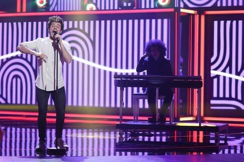 Miki Núñez versiona a Seguridad Social en la Gala 5 de 'La mejor canción jamás cantada'