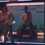 Los bailarines de 'Toy Boy' bailan semidesnudos en el rodaje de la serie