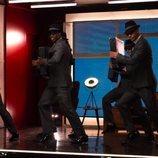 Los bailarines de 'Toy Boy' en el rodaje de la serie