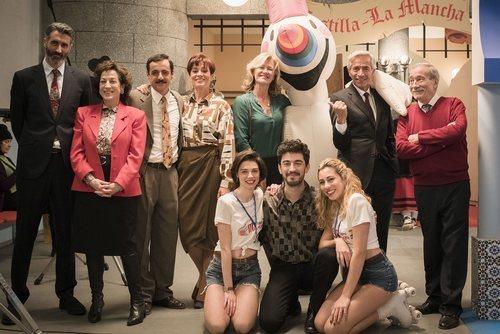 Antonio sella un negocio en la Expo del 92 en 'Cuéntame cómo pasó'
