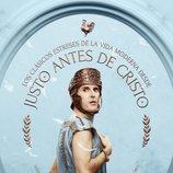 Julián López entre plumas protagoniza un póster de 'Justo antes de Cristo'