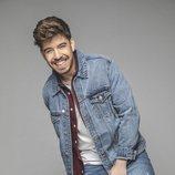 Roi Méndez posa sonriente en la promoción de su disco